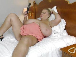 Порно зрелых дам с большой грудью