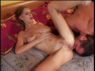 Секс порно как ломают целку