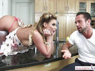 муж жена друг снимает домашнее порно