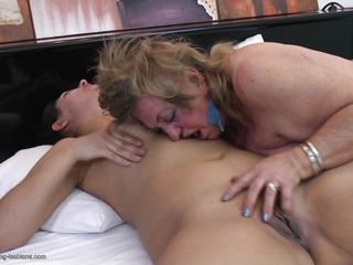 смотреть порно зрелые с молодыми