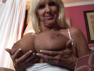 Порно ролик зрелые тетки