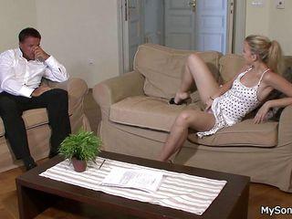 Знакомства для секса со старушкой в москве