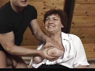 Порно старые висячие сиськи